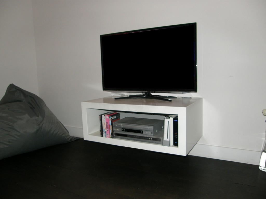 televisiemeubelen made by rb. Black Bedroom Furniture Sets. Home Design Ideas